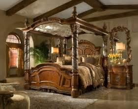 Victorian Canopy Bed Bedroom Victorian Style Brown Glaze Wooden Canopy Bed