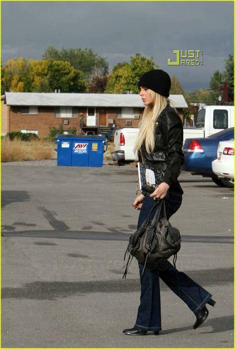 Lohan Out Of Rehab by Lindsay Lohan Checks Outta Rehab Photo 643021 Dina