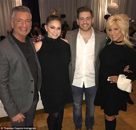theresa caputo father name theresa caputo splits from husband larry after 28 years