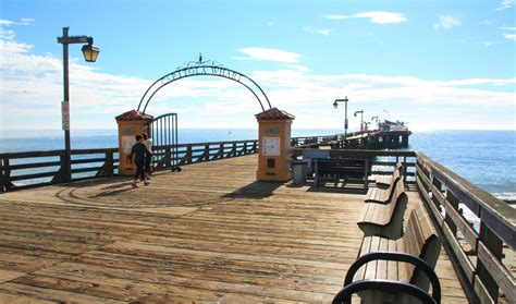 capitola village shopping dining activities find capitola wharf capitola ca california beaches