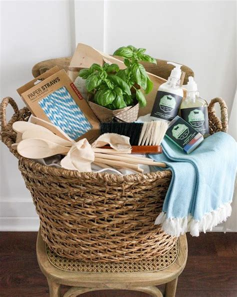 new kitchen gift ideas best 25 housewarming basket ideas on pinterest