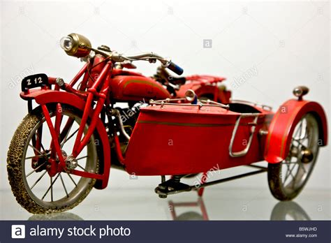 Motorrad Mit Beiwagen Autobahn by Vintage Bike And Sidecar Stockfotos Vintage Bike And