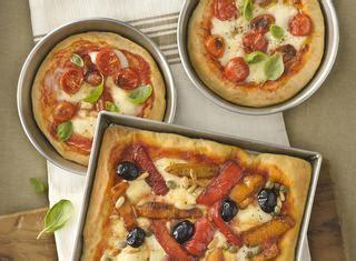 gusti pizza fatta in casa ricette gusti pizza le ricette di giallozafferano