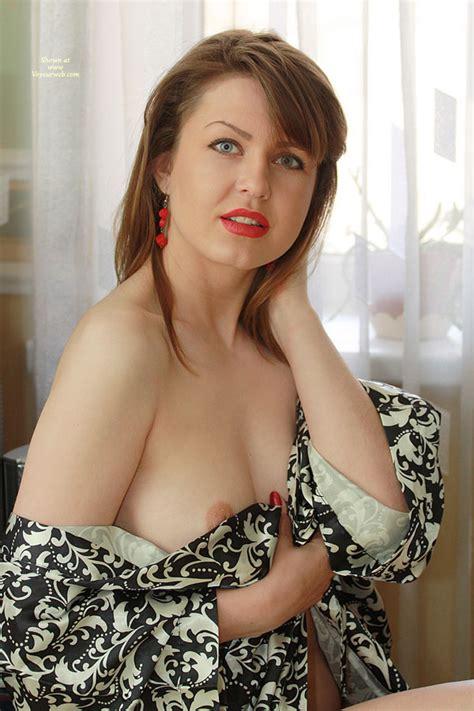 Nude Wife On Heels Nh Nicole In The Morning April Voyeur Web
