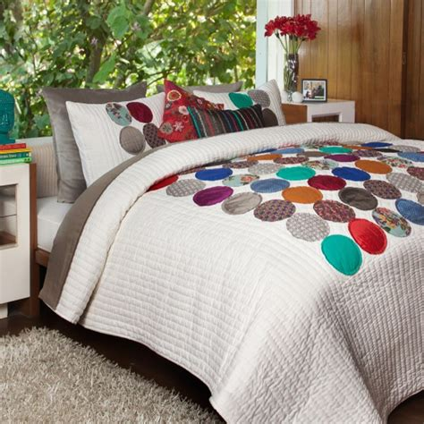 Quilt On Bed by Circles Quilt Quilts And Quilt Sets By