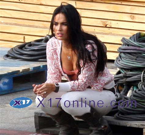 hot chick transformers new megan fox and shia labeouf images from transformers 2