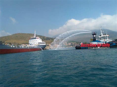 porto di gaeta incendio nel porto di gaeta per esercitazione