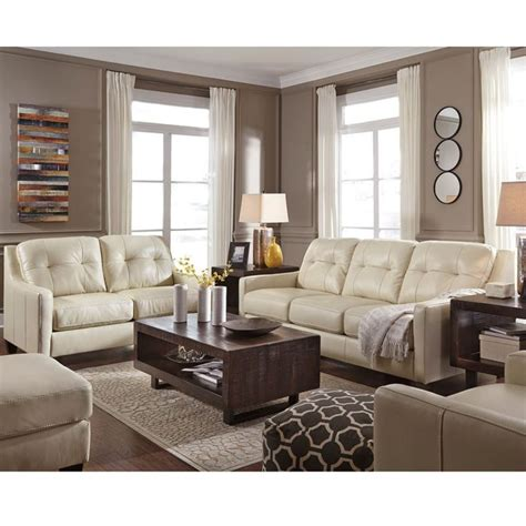 decorating with leather sofas 25 best ideas about cream leather sofa on pinterest
