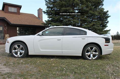 2011 dodge charger se sedan 4 door 3 6l