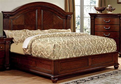 cherry king bed grandom cherry king bed from furniture of america