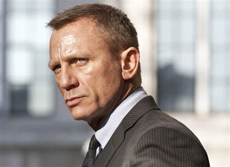 aktor film james bond daniel craig to return as james bond report indiewire