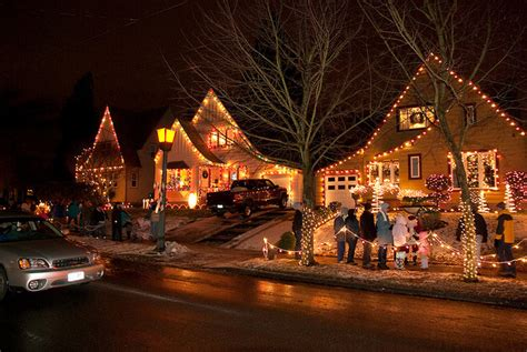 christmas lights neighborhood chickasha the 5 best u s neighborhoods for lights cbs news