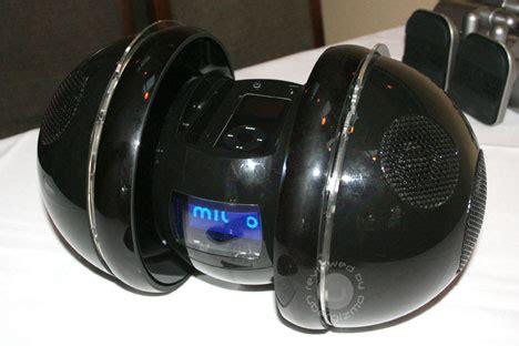 Miuro The Unpredictable Ipod Robot by Miuro El Robot Con Bocinas Excepcionales Para Tu Ipod