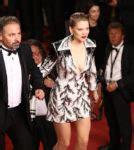 lea seydoux red carpet fashion awards lea seydoux spectre london premiere red carpet