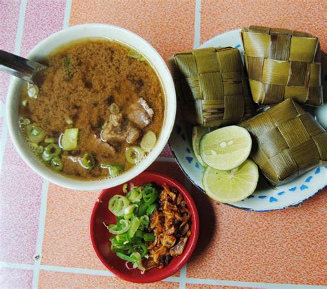 eat coto soto  palubasa  makassar classichack