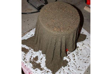 Fabriquer Pot De Fleur En Ciment cr 233 er un pot de plantes avec une vieille serviette et