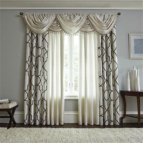 liz claiborne curtains jcpenney com liz claiborne 174 gallery scroll rod pocket