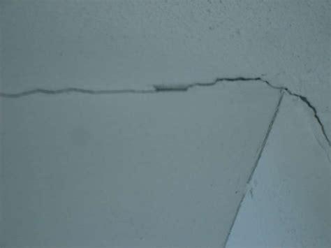 crepe soffitto crepe orizzontali soffitto casamia idea di immagine