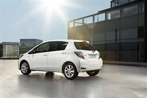 new toyota yaris hybrid priced 163 15 000 returns up