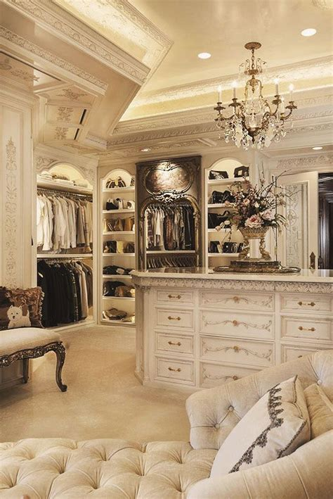 walk  closets  wont mind living  luxury