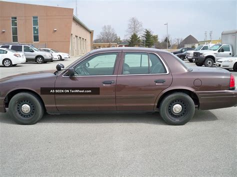 ford crown vic 2002 ford crown vic package