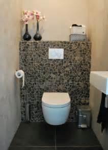 Recouvrir Un Carrelage Mural #1: chouette-les-wc-avec-un-mur-en-carreaux-casses.jpg