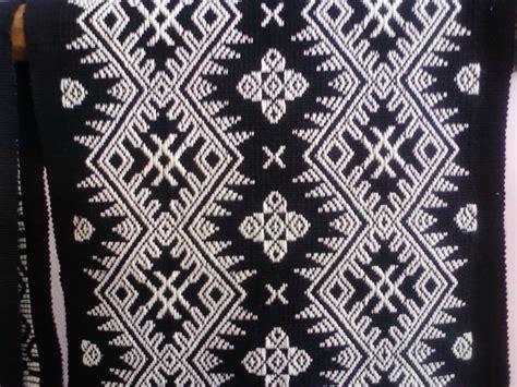 Kain Tenun Blangket Putih Motif Kalimantan ragam hias seluruh indonesia knowledge
