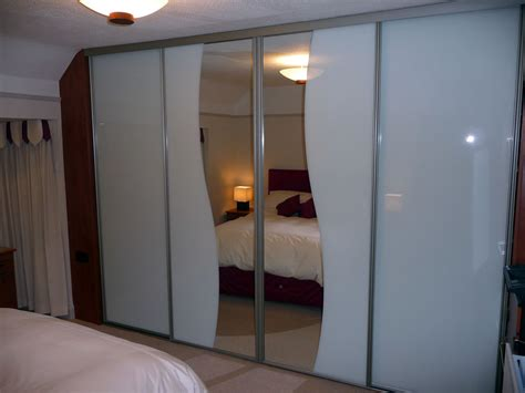 Sliding Wardrobe Mirror Doors Uk by Classic Sliding Wardrobe Doors