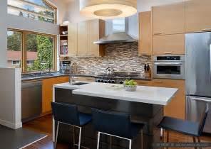 Black And Brown Kitchen Cabinets Quartz Countertop White Black And White Kitchens Kitchen Backsplash White Cabinets Brown