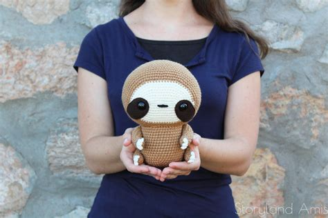 same pattern en francais pattern cuddle sized sloth amigurumi crocheted sloth