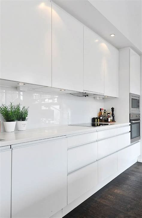 Glossy White Kitchen Cabinets by High Gloss Kitchen Gloss Kitchen And Kitchens On