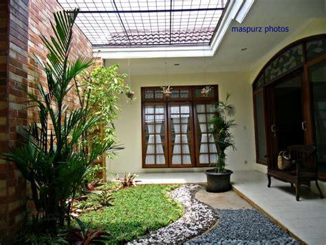desain rumah dengan taman di dalam contoh taman dalam rumah minimalis 2017 rumah minimalis