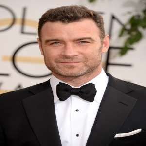 pablo schreiber real height liev schreiber birthday real name family age weight