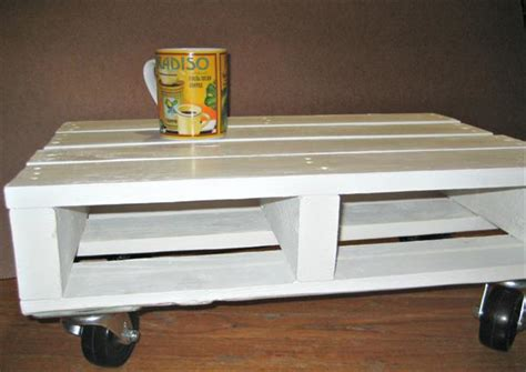 White Coffee 1 Renteng diy pallet coffee table on wheels diy do it your self