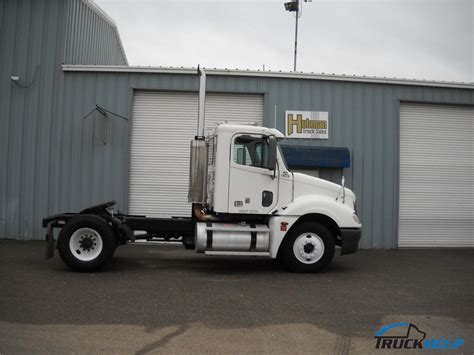 freightliner clst columbia   sale  stockton ca  dealer