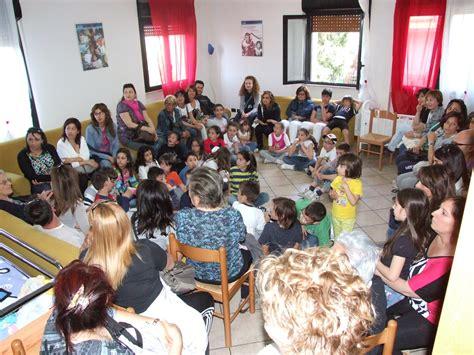 casa famiglia per bambini otto bambini in affido l inps chiede il rimborso delle
