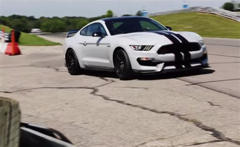 2016 mustang gt exhaust sound turn up your speakers 2016 ford shelby gt350r mustang