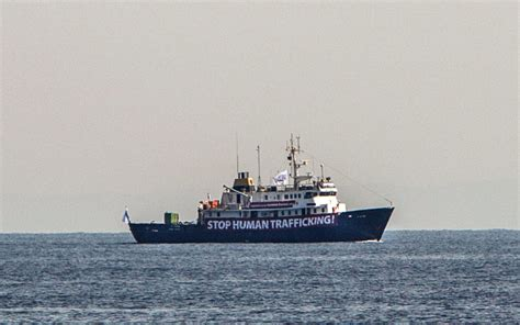rescue boats mediterranean migrant rescue boat heading to aid of anti migrant vessel
