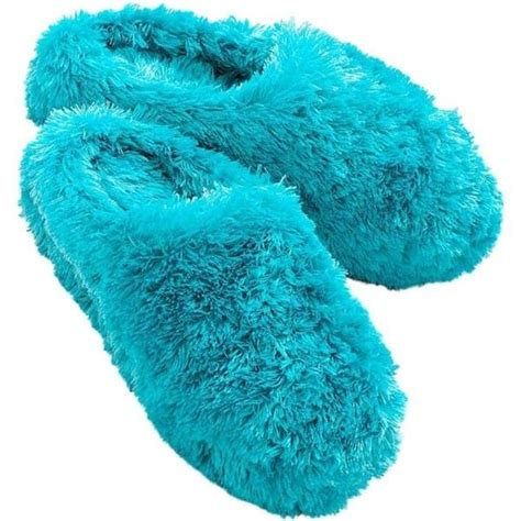 fuzzy bedroom slippers best 25 fuzzy slippers ideas on pinterest slippers