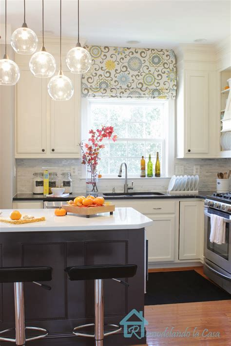 adding moldings   kitchen cabinets remodelando la casa