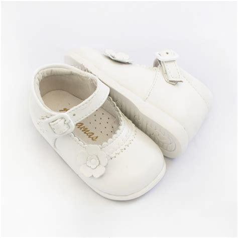 Tas Blanca By comprar merceditas beb 233 ni 241 a primeros pasos blanca modelo flor