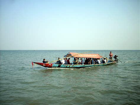 boat ride date file boat ride on chilika lake balugaon odisha india