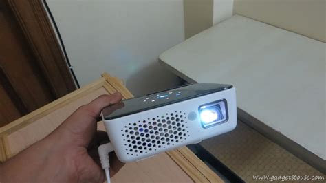 benq gp2 mini projector review benq joybee gp2 portable iphone multi purpose projector