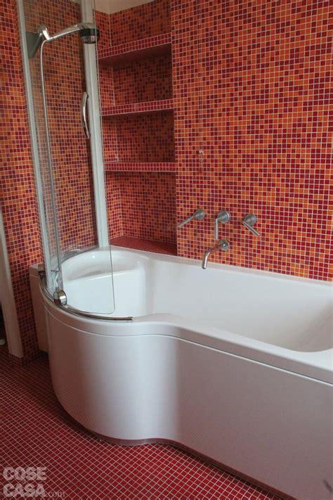 mosaico rosso bagno oltre 25 fantastiche idee su arredo bagno rosso su