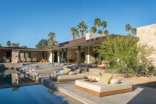 Exquisite modern desert property captivates in palm springs