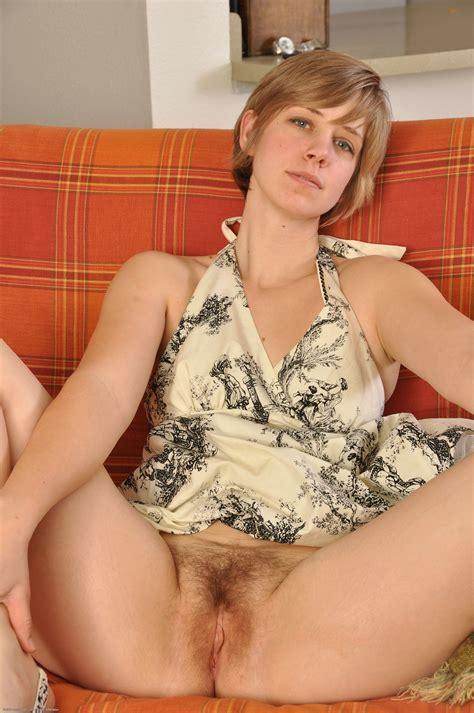 Free Naked Amateur Girls Photos At Kingdom
