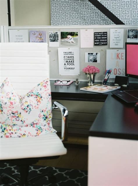How To Decorate Your Office Desk Top 25 Best Cubicle Ideas On Decorating Work Cubicle Cubicle Ideas And Cube Decor