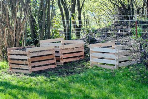 Composting Apartment Therapy Diy Compost Bin Compost Bins This House House Ideas