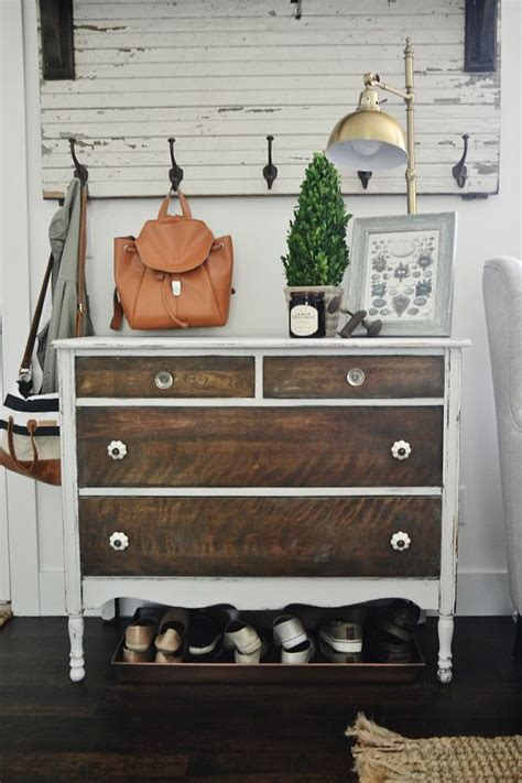 25 best ideas about raised ranch entryway on