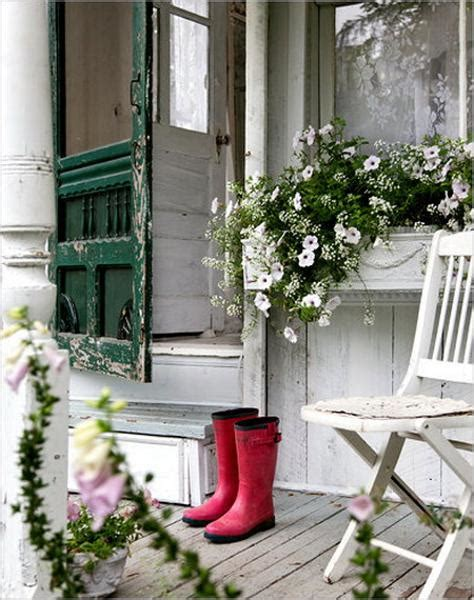 shabby chic ideas turning garden house into beautiful